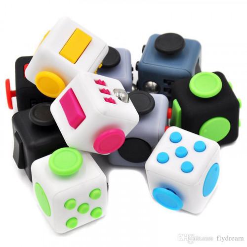 Gidget Widget Cube